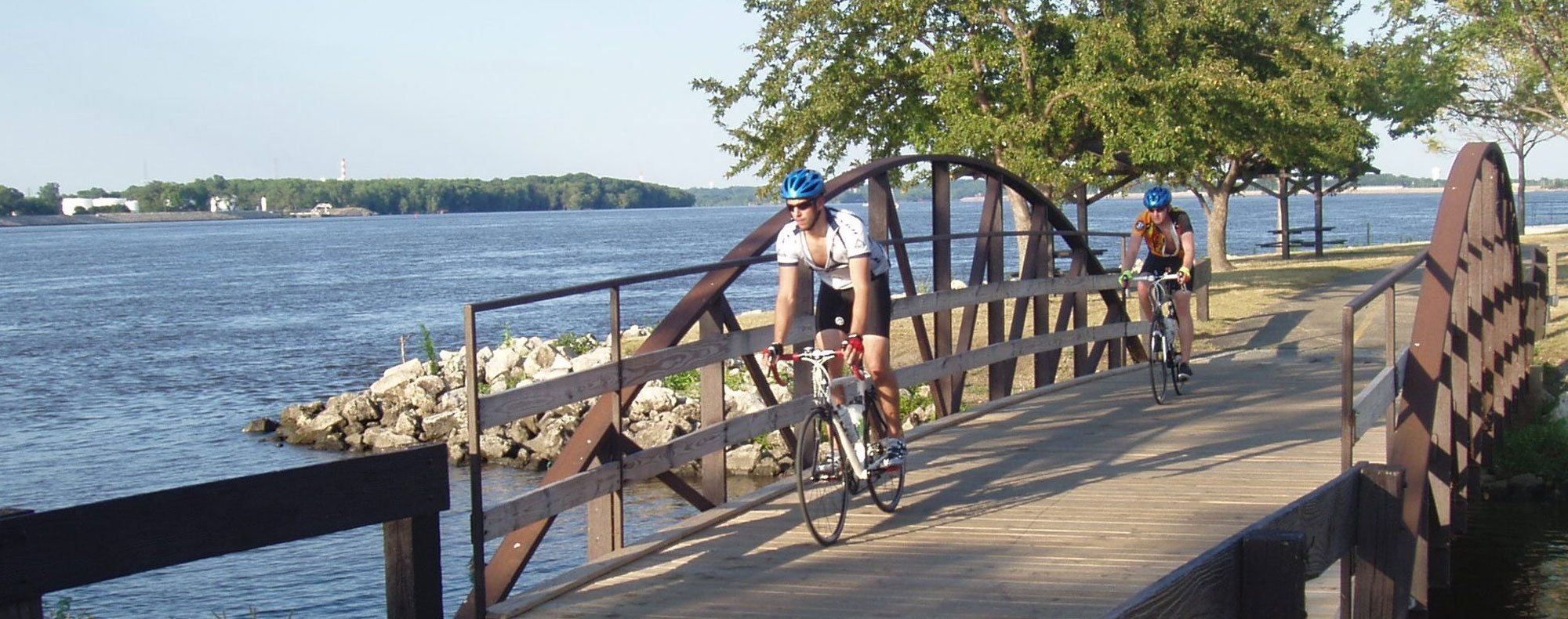 Biking Trails along the Great River Road in Illinois